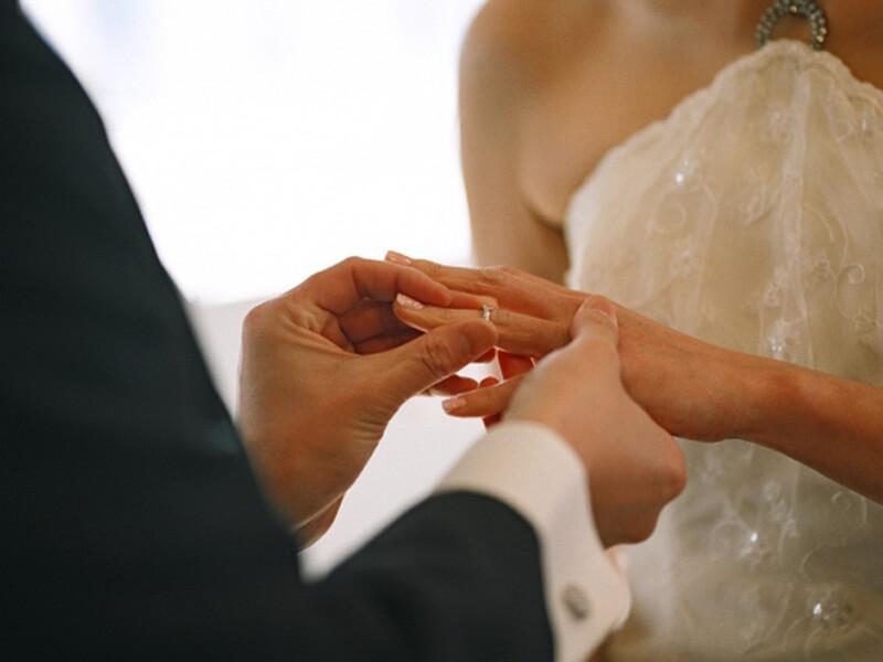 結婚式・披露宴のムービー別の写真の選び方